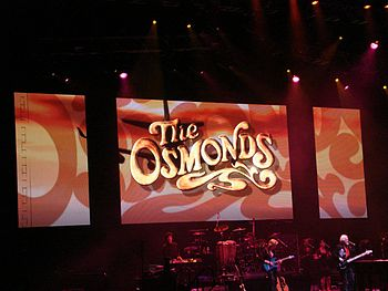 English: The Osmonds play their 50th Anniversa...
