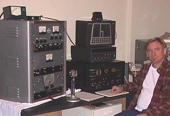 Joe Walsh in front of his vintage amateur radi...